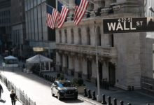 Photo of 【米国市況】S&P500とダウ反落、成長減速を警戒-ドルが下落 – Bloomberg
