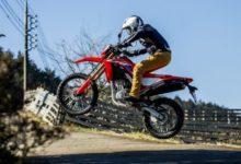 Photo of 新型「CRF250L&ラリー」試乗インプレ速報 乗った瞬間「飛べる!」と実感できるガチオフ性能だ!   ウェビック バイクニュース