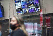 Photo of 【米国市況】株反落、ハイテクに売り-10年債利回り一時1.6%台 – Bloomberg